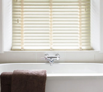 3 types of blinds best suited for bathrooms