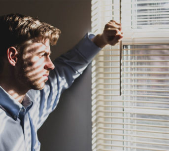Prolong the Life of Your Venetian Blinds with a Proper Maintenance Routine